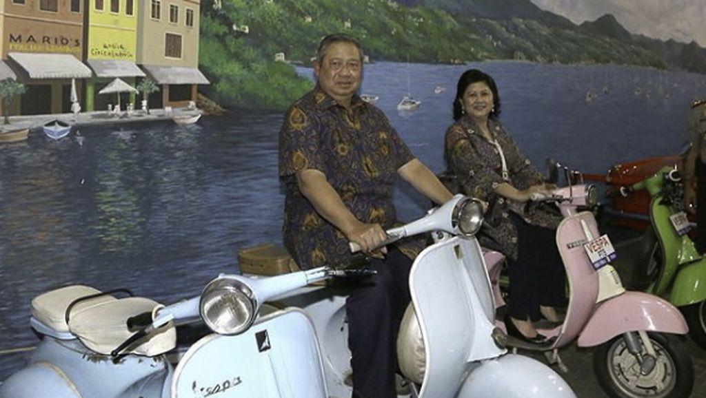 Potret Kebersamaan SBY dan Mendiang Ani Yudhoyono Saat di Atas Vespa