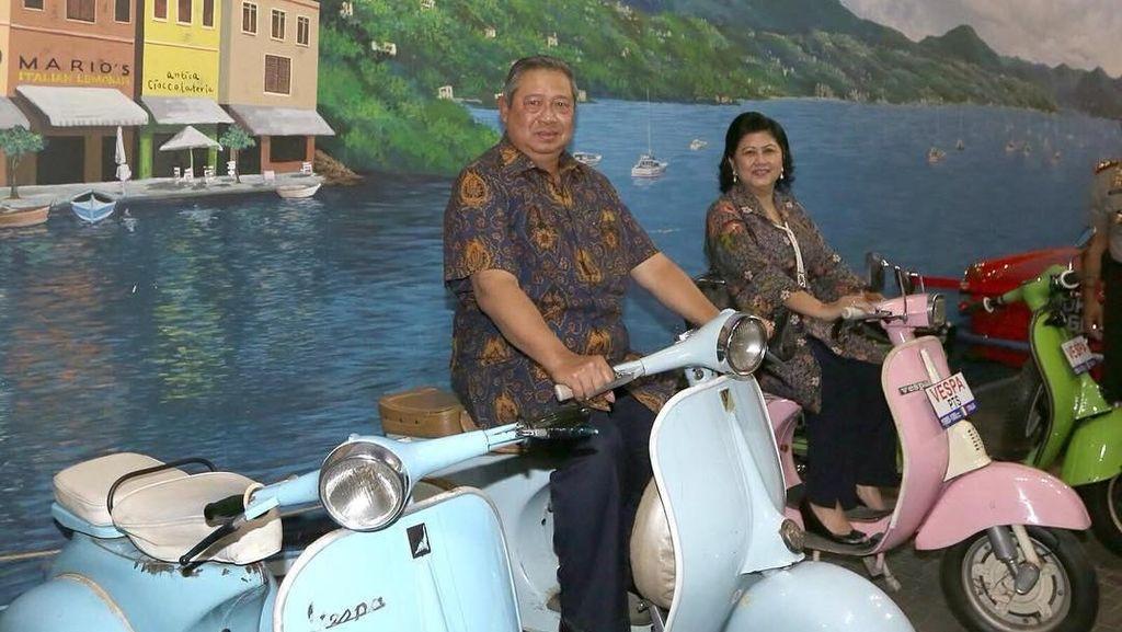 Kenang Ani Yudhoyono, Vespa Hingga Motor Pintar