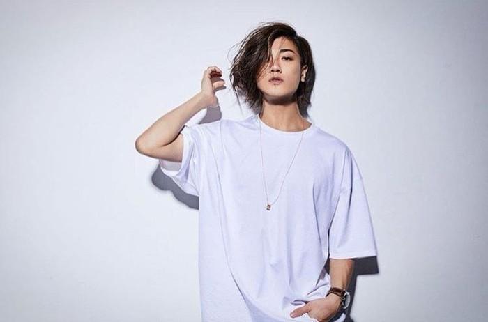 Jun Akanishi memiliki popularitas yang tinggi di Jepang. Karirnya sebagai anggota band yang kini bersolo karir, membuat ia berhasil mendapatkan predikat sebagai salah satu pria dengan wajah paling menarik di Jepang. Foto: Instagram @jinstagram_official