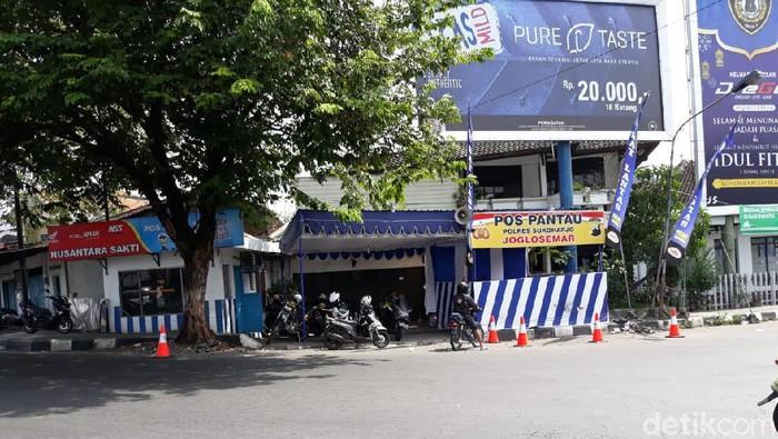 Suasana di Pospol Kartasura, Sukoharjo siang ini. Foto: Bayu Ardi Isnanto/detikcom