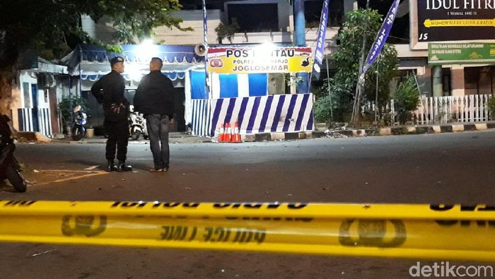 Kejadian ledakan di Pospol Kartasura.  Foto: Bayu Ardi Isnanto/detikcom