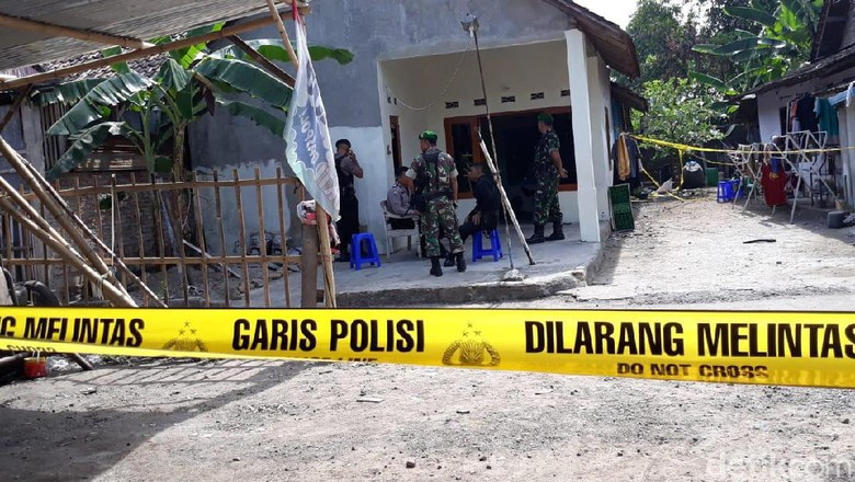 Rumah Bomber di Pospol Kartasura Sukoharjo Digeledah Lagi