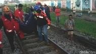 Mabuk Sambil Berjalan di atas Rel, 2 Pemuda Tewas Tersambar Kereta Api