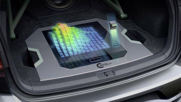 Mobil Pertama Berteknologi Hologram