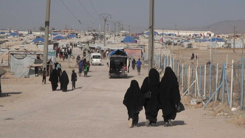 Ratusan Perempuan ISIS Dibebaskan Dari Kamp Pengungsi al-Hawl Suriah