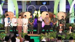 Gubernur, Kapolda, Pangdam Semarakkan Malam Takbiran di Surabaya