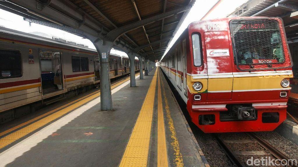 Jumlah Penumpang Kereta Anjlok 9,8% Gegara Listrik Padam Massal