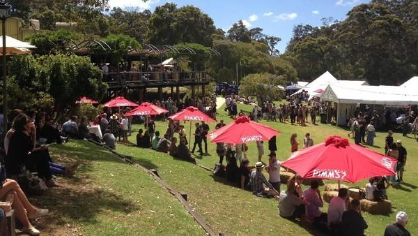 Western Australia Gourmet Escape presented by Westpac setiap November diadakan di Redgate. Inilah festival kuliner 10 hari di Swan Valley, Perth dan Margaret River (Tourism Western Australia)