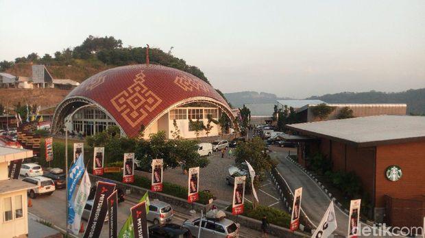 Rest Area KM 429 dan Suasana Sunset Terbaik di Tol Trans Jawa