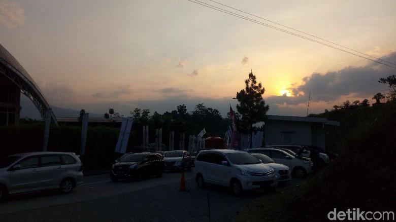 Sunset di Rest Area KM 429 (Aji Kusuma/detikcom)