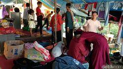 Banjir Belum Surut, Warga Kendari Lebaran di Tenda Pengungsian