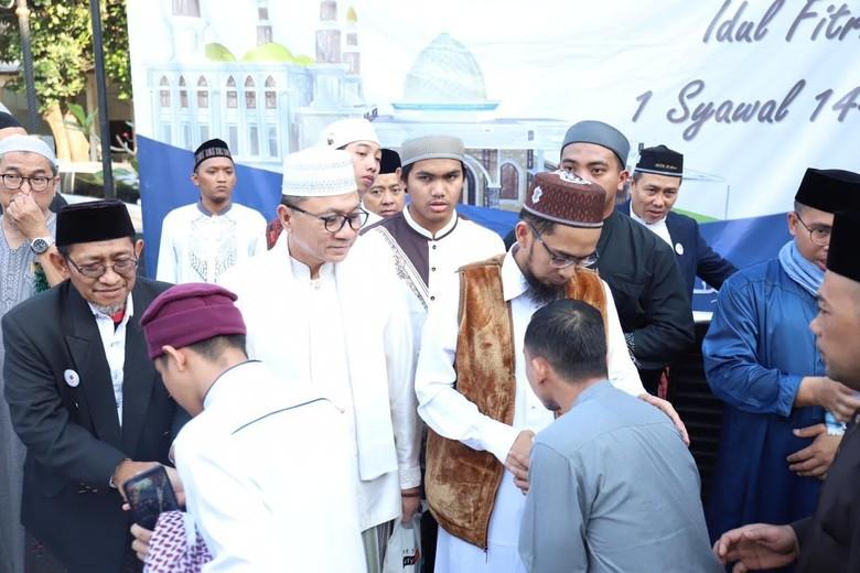 Salat Bareng Ustaz Adi Hidayat, Ketua MPR Ajak Kembali Bersatu