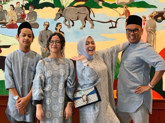 Gaya Lebaran 2019 Keluarga Artis