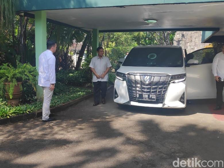 Lebaran ke Cendana, Prabowo Disambut Tutut Soeharto