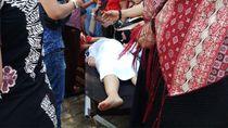 Ada Wanita Hamil Pingsan Saat Berdesakan Melihat Jokowi di Monas
