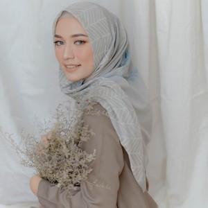 4 Inspirasi Makeup Lebaran dari Selebgram Hijab