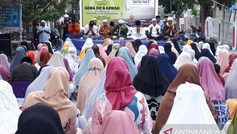 Malam Lebaran, Warga Palu Gelar Doa Bersama untuk Korban Gempa