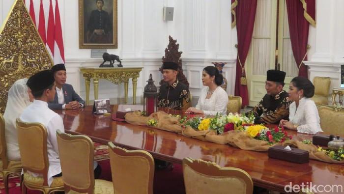Suasana pertemuan AHY-Ibas bersama Presiden Jokowi Foto: Noval/detikcom