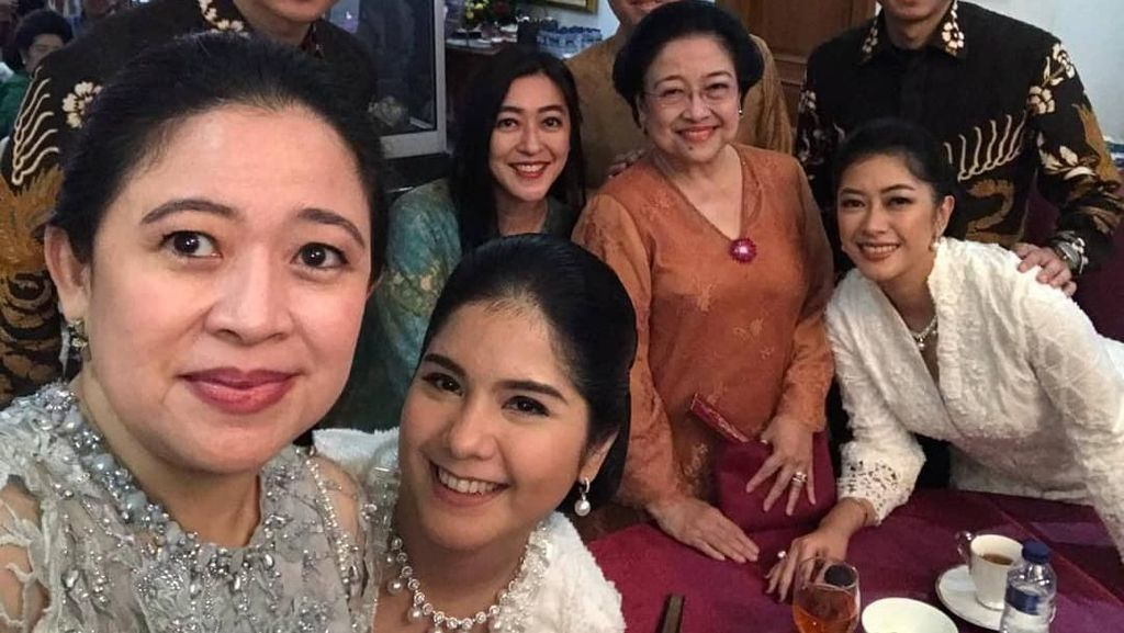Momen Akrab Wefie Puan-Mega Bareng AHY-Ibas