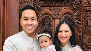 Annisa Trihapsari dan Keluarga