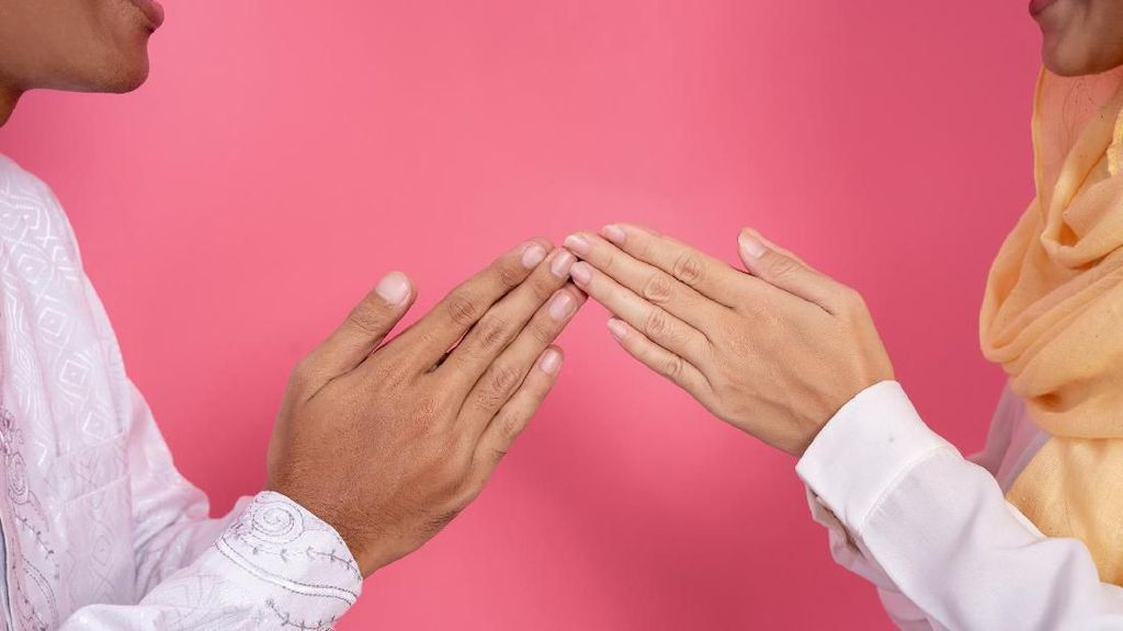 Psikolog Bagikan Tips Berbaikan Agar Permintaan Maafmu Diterima