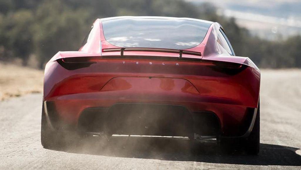 Toyota Tertinggal Dari Tesla yang Masih Seumur Jagung