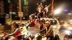 Petasan dan Kembang Api Hiasi Malam Idul Fitri