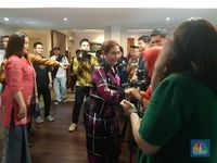 Open House Pertama, Menteri Susi Pakai Baju Beli Online