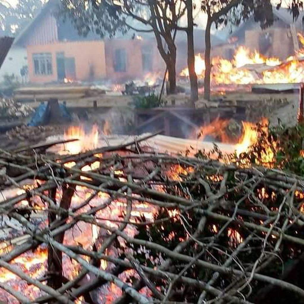Mencekam! Buton Rusuh, 87 Rumah Terbakar dan Ratusan Orang Ngungsi