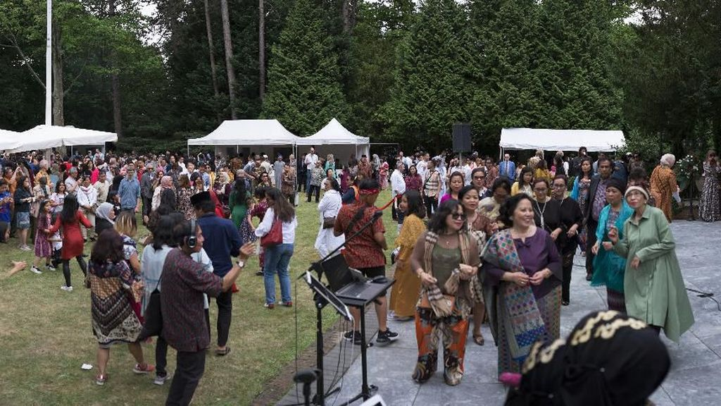 Momen Ceria Ribuan WNI Rayakan Idul Fitri di Belanda