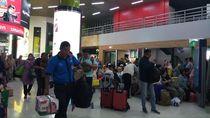 Kisah Portir Stasiun Gambir Rela Tak Mudik demi Tambahan Rezeki Saat Lebaran
