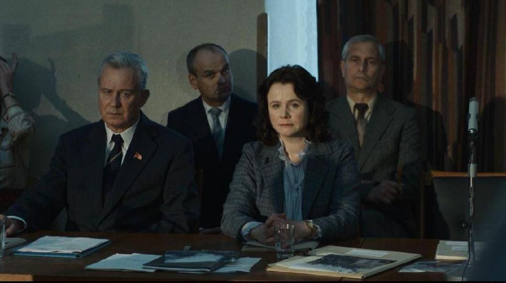 Gambaran Efek Radiasi hingga Intrik Politik di Serial Chernobyl