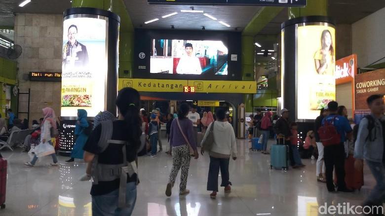 Pemudik di Stasiun Gambir Diprediksi Naik 9 Persen Dibanding Tahun Lalu