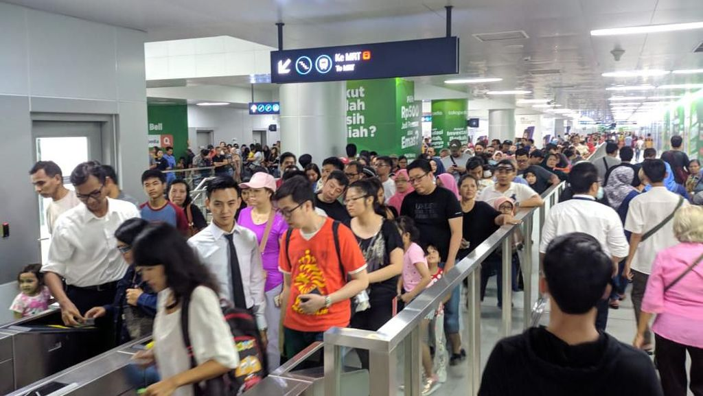 Kapan Naik Transportasi Umum di Jakarta Cuma Pakai 1 Kartu?