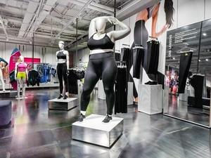 Ubah Stereotipe Wanita Gemuk, Nike Tampilkan Manekin Berbadan Plus-Size