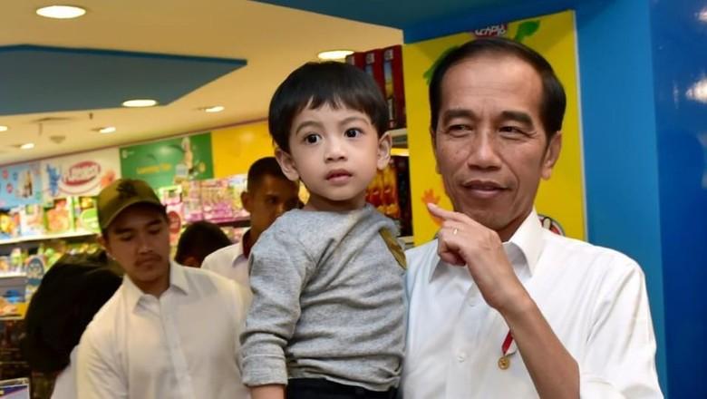 Ini Alasan Jan Ethes Tak Ikut Hadiri Pelantikan Jokowi