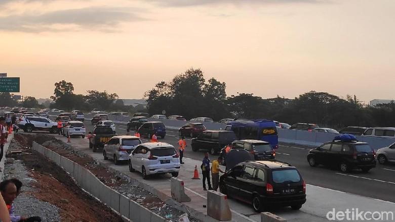 Jasa Marga Berlakukan Contraflow di Km 65-38 Tol Cikampek Arah Jakarta