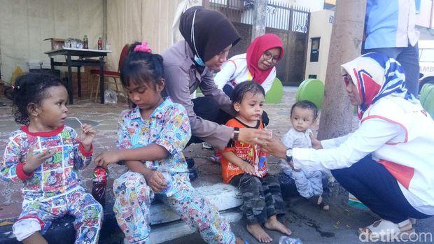 Bayi 3 Bulan Terpisah dari Orang Tua di Open House Kediaman JK di Makassar