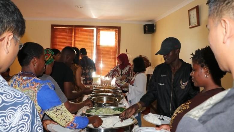 Suasana Lebaran Ala Tanah Air Bagi WNI di Tanzania