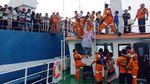 Tim SAR Evakuasi Penumpang Kapal Kandas di Pulau Rimau Balak