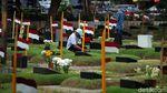 Ziarah, Tradisi Kunjungi Makam Keluarga Usai Lebaran