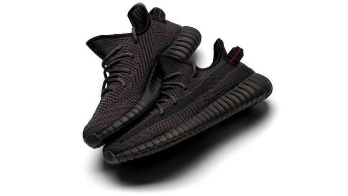 Sneakers adidas Yeezy Boost 350 V2 Black. Foto: istimewa