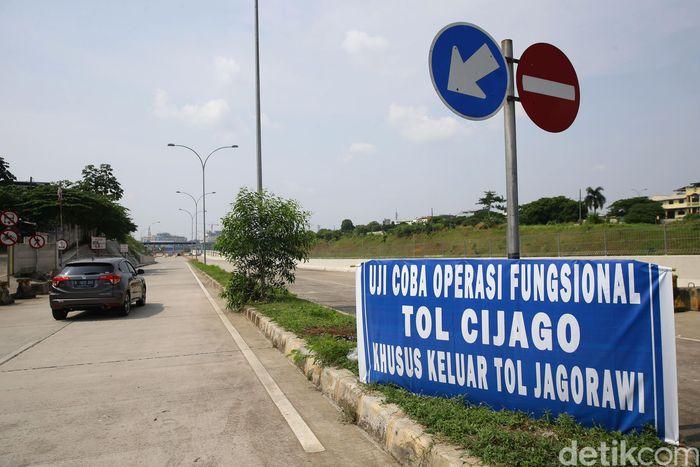 Sejumlah kendaraan melintas diRuas tol Cinere-Jagorawi atau Cijago Seksi II, Jumat (7/6/2019).