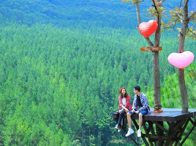 4 Destinasi Wisata Paling Banyak Dikunjungi di Jawa Barat, Yuk Gaskeun!