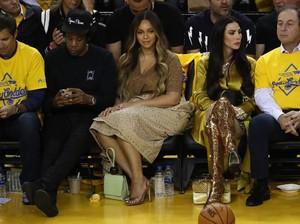 Video Viral Beyonce Pasang Wajah Kesal Saat Suaminya Didekati Wanita Lain