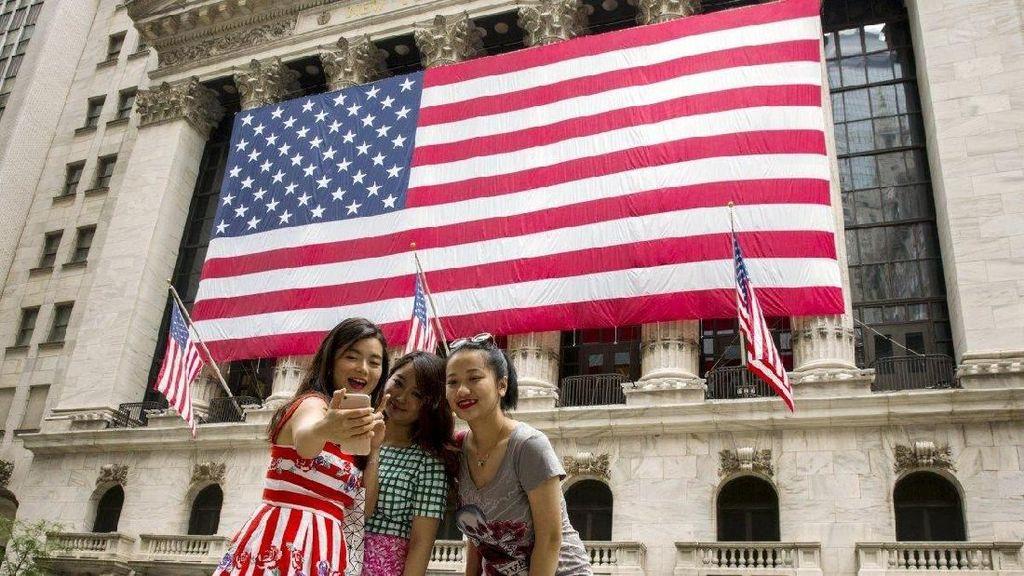 Kebijakan Trump Sudah Bikin 31.000 Turis Tak Bisa Masuk AS