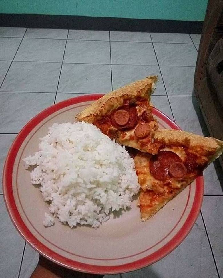 Makan Nasi Pakai Bakso Dan Pizza Meme Lucu Makanan Ini Bikin