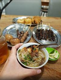 Siang Ini Enaknya Makan Soto Kuah Bening di 5 Tempat Ini