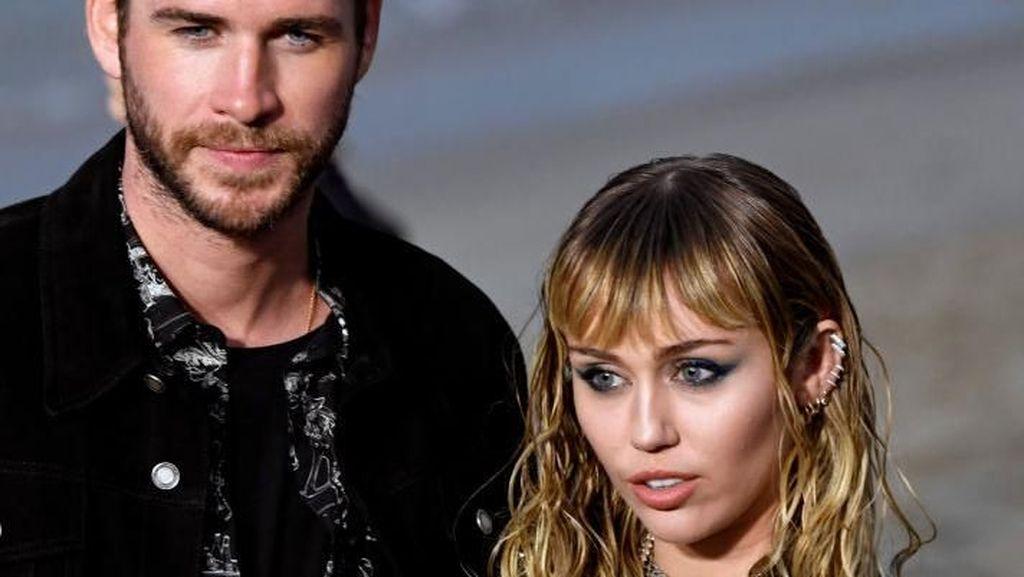Sudah Menikah, Miley Cyrus Mengaku Masih Tertarik dengan Wanita
