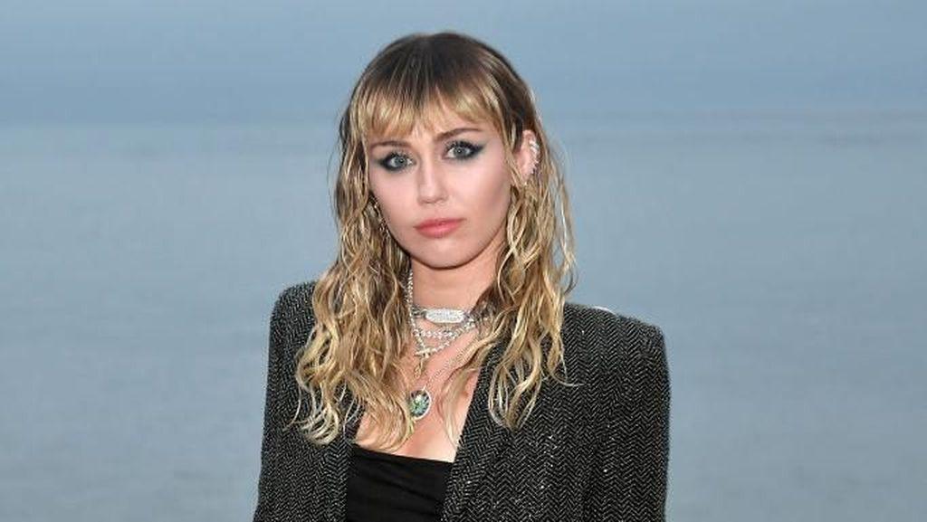 9 Selebriti yang Tak Mau Punya Anak, Miley Cyrus Sampai Oprah Winfrey